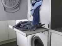 HSS1052W - Estante sencillo pull-out (extraíble) Complementan a la perfección cualquier diseño de lavandería, al mismo tiempo que hacen más sencillo cargar, descargar y doblar su ropa.