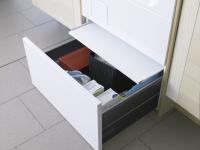 HPS5322W Hidden Helpers™ - ящик-підставка для миючих засобів з висувною полицею